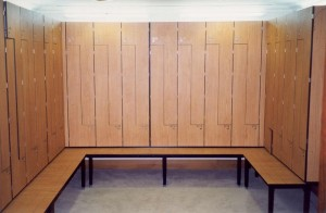 LOCKERS 1 - Z TYPE WITH INTEGRATED BENCH